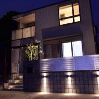 モダンな住宅を引き立てるスタイリッシュな新築外構工事(さいたま市浦和区)